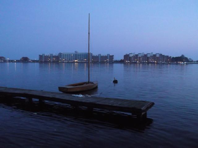 sonntag mit dem boot raus fahren. wie wird wohl das wetter werden ?---sunday take a trip by boat. how will be the weather ?-----herbst (autumn) November 2011 in my hometown wilhelmshaven germany