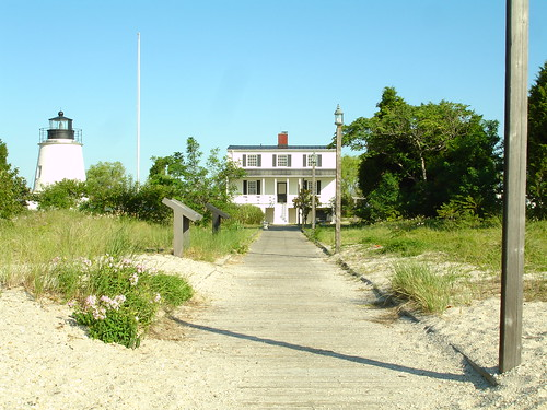 Piney Point Lighthouse & Keeper's Quarters, Piney Point