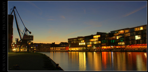 city light panorama reflection monument silhouette night work photography layout evening harbour crane change bluehour colos munster temperary bobvandenberg zino2009