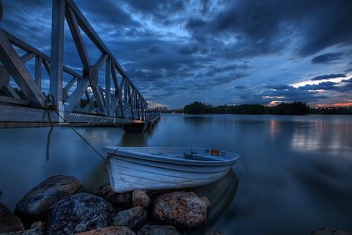 longexposure sunset canon eos boat malaysia bluehour putrajaya hdr nd8 9xp 400d putrajayawetland vedd