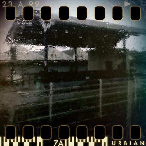 Dans le train du retour   by akynou