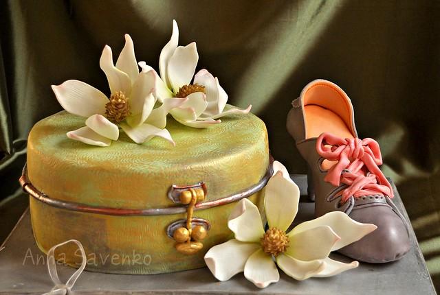 Vintage box, magnolia and retro shoe cake