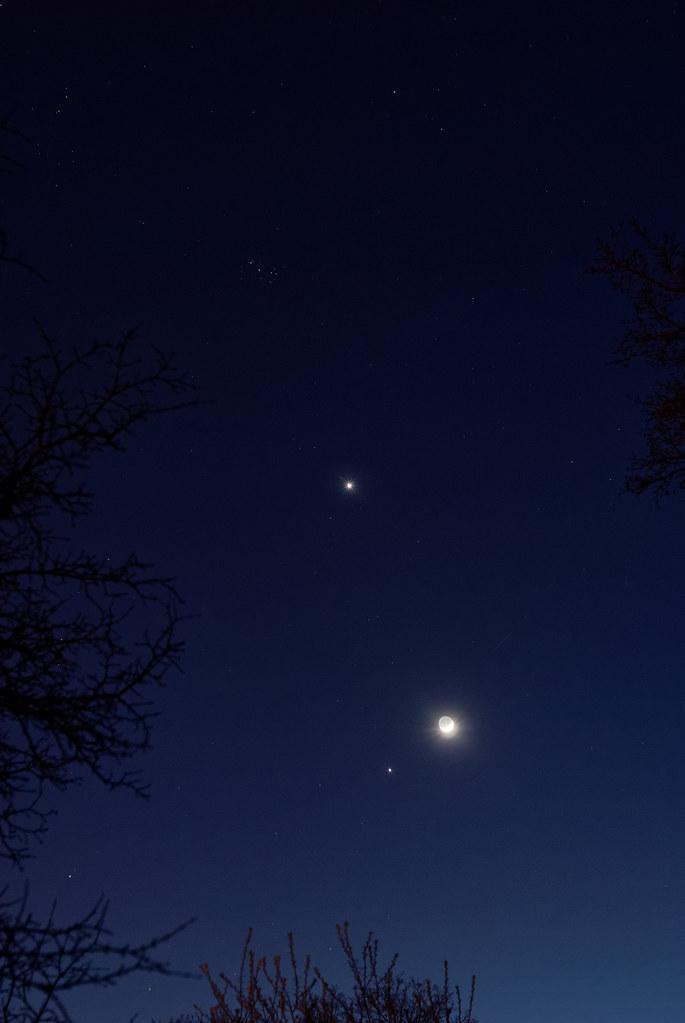 Venus, Moon and Jupiter Conjunction | Another weekend conjun