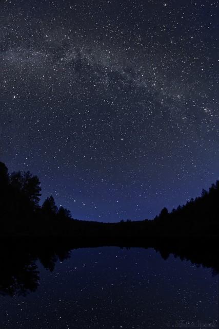 Milky Way on lake 2- Voie lactée sur lac 2