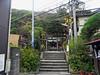 2011/10/15 (土) - 13:51 - すぐ目の前を江ノ電が横切っている