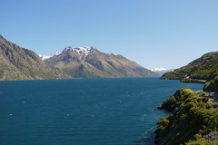 Lake Wakatipu, on the way to Queenstown