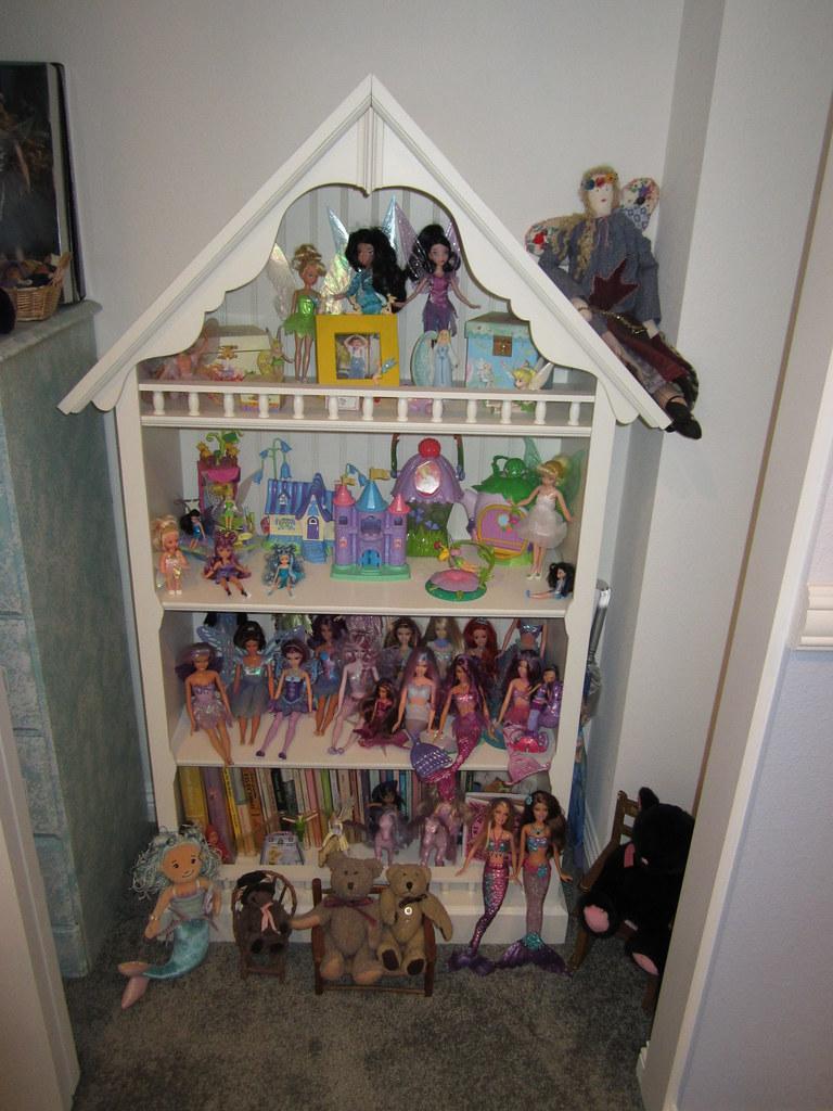 My Dollhouse Bookshelf I Got This Shelf At Pottery Barn Ki