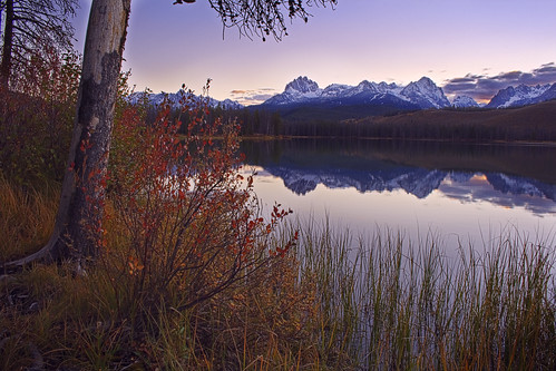 lake color reflection fall water warm mt little idaho redfish sawtooths hayburn