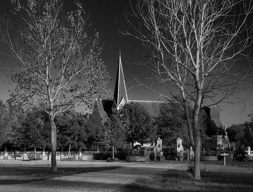 trees sunset blackandwhite church dusk chapel roundtop historicchurch festivalhill roundtoptexas gravelpathedythebateschapel roundtopfestivalhill