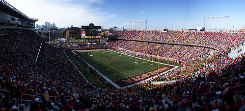 Huskers v Gophers @ TCF Bank