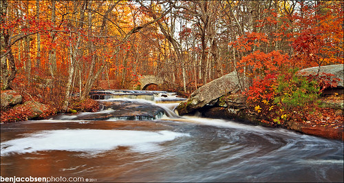orange fall colors leaves waterfall rhodeisland steppingstone gnd 5dii leecp