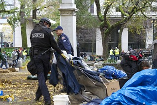Police dismantling encampments at Occupy Portland   by airosche5