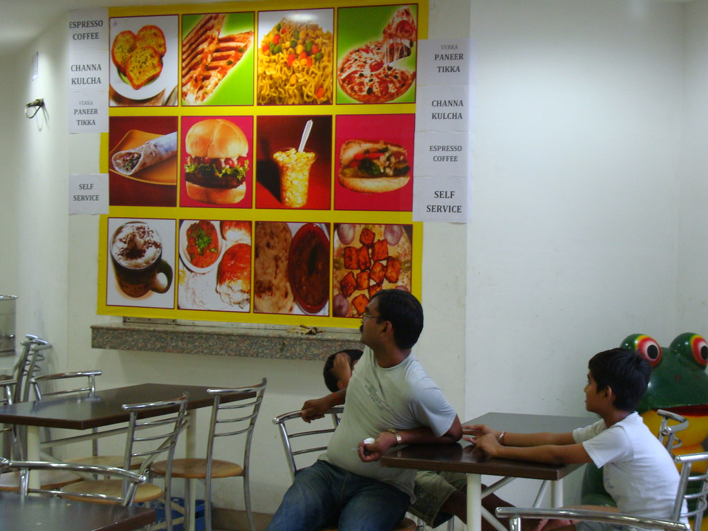 Milk and fast food bar in Haryana, India | Milk and fast foo