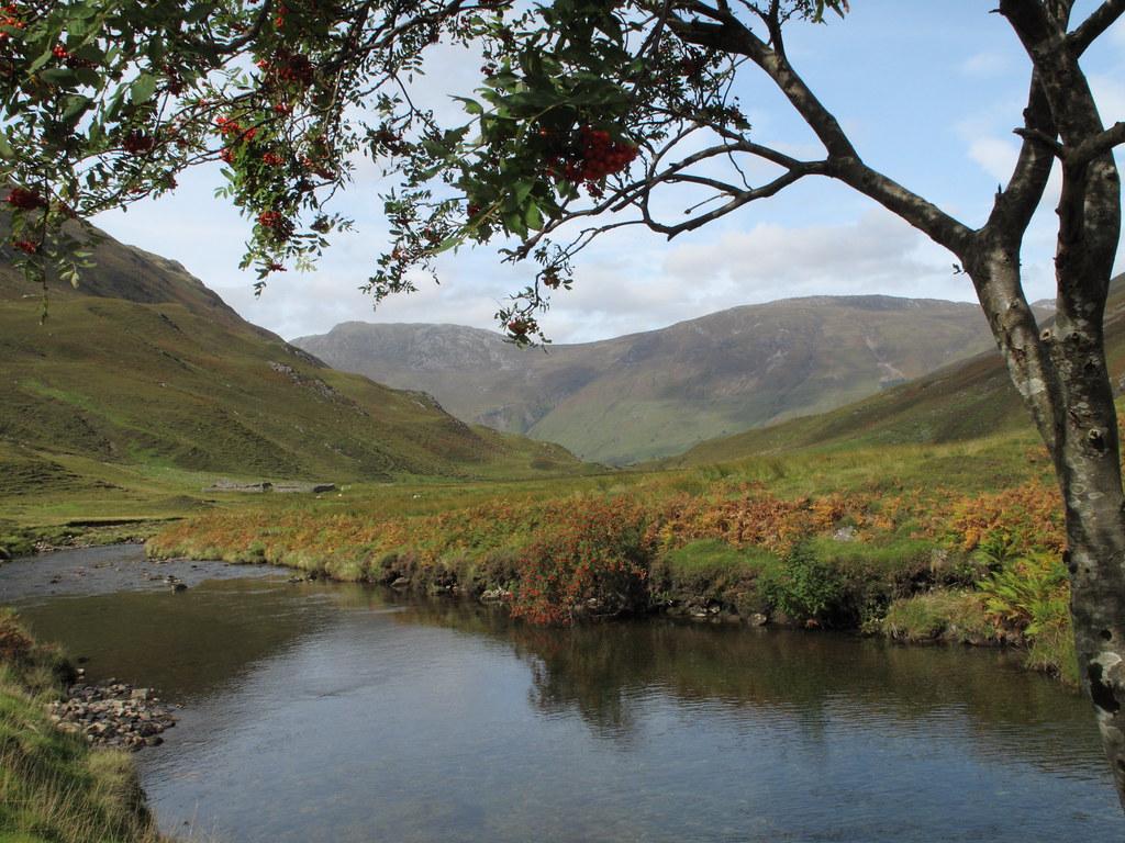Aussicht vom Wegesrand am River Croe