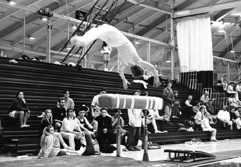 1991-92_athl_boys_gymnastics_vault