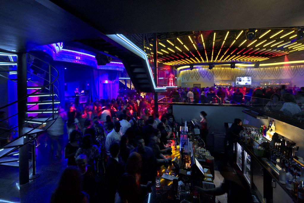 custom nightclub bar and lounge design