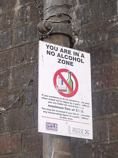 Le Vesinet Promenade - River Severn, Worcester - Sign - You are now in a no alcohol zone | by ell brown