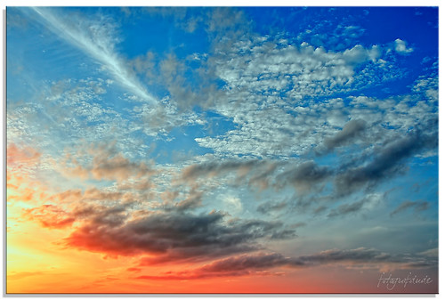 blue light sunset red sky reflection clouds evening nikon quiet dusk peaceful wisp d90 colorphotoaward mygearandme fotografdude