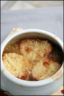 Soupe à l'oignon gratinée   by hberthone