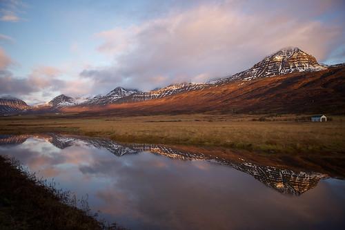 morning mountains reflection iceland pond 500views ísland tjörn speglun fjöll morgunn 25faves fáskrúðsfjörður faskrudsfjordur hoffell citrit jónínaguðrúnóskarsdóttir
