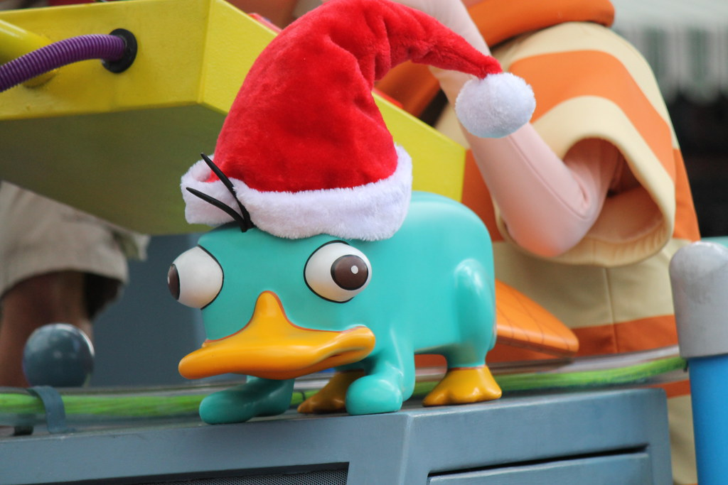 Phineas and Ferb's Rockin' Rollin' Dance Party - Holiday Edition
