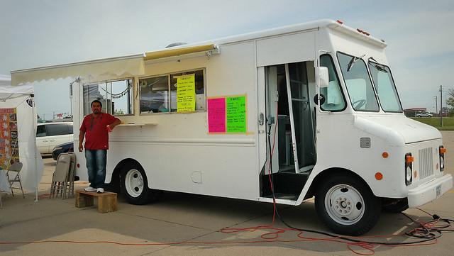 Antojitos Mexicanos Taco Truck in Des Moines, Iowa