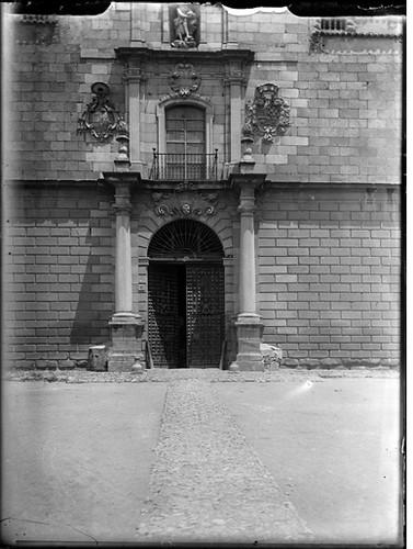 Hospital Tavera en Toledo hacia 1920. Fotografía de Enrique Guinea Maquíbar © Archivo Municipal de Vitoria-Gasteiz