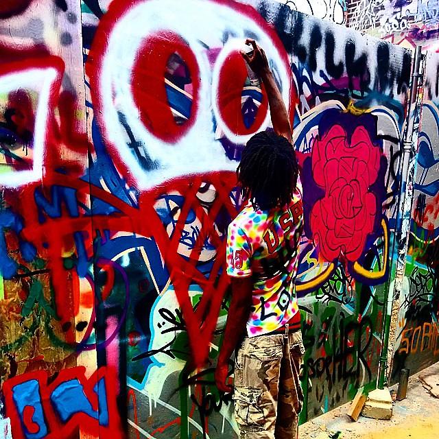 👑Want to see some more of my graffiti go to my website. WWW.HOAGCORPERATION.WEBS.COM #streetphotography #buildinggraffiti #graffitiart #art #streetart #handmade #instagraffiti #street #graff #animation #urban #wallart # #aerosol #spray #wall #mural