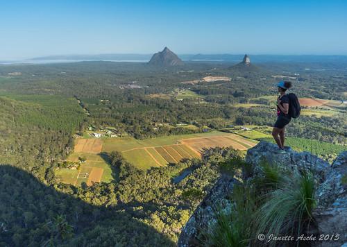 morning mountain rocks australia bushwalking qld queensland glasshousemountains bushwalk sunshinecoast 2015 hinterland mttibrogargan seqld sonya7r