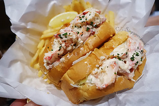 06 Dancing Crab - Lobster Rolls | by singaporeaneats