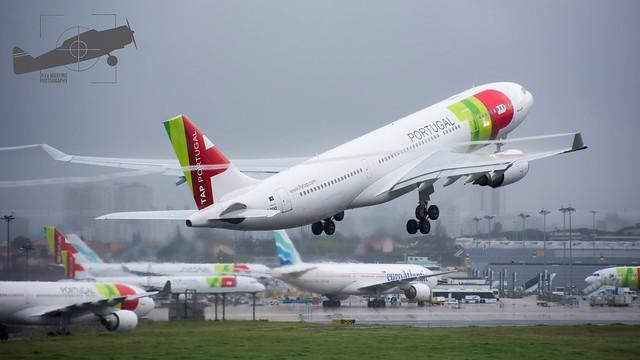 CS-TOO Airbus A330-202
