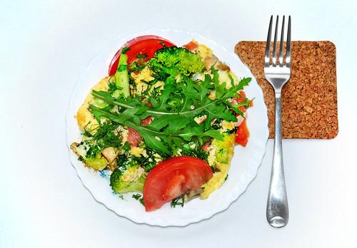 Omelette mit Tomaten, Pilzen und Brokkoli   by wuestenigel