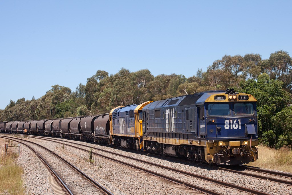 8161 at East Maitland by Trent