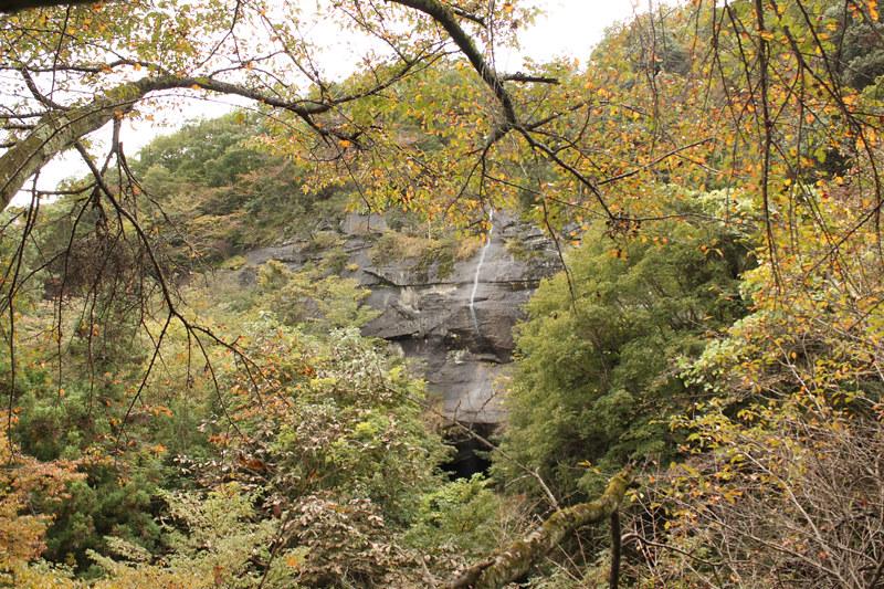 岩殿山の滝