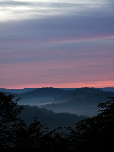 morning pink blue trees mist mountains fog clouds sunrise morninglight purple foggy hills anewday canoneos50d 70300mmf4f56