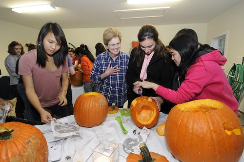 Pumpkin Carving 045