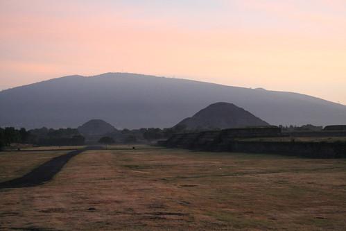 méxico sunrise canon mexico eos 350d teotihuacan an september septiembre sonnenaufgang eos350d mexiko puestadelsol teotihuacán am2 piramidedelsol 2011 mondpyramide fc2 sunpyramid piramidedelaluna strassedertoten sonnenpyramide hfv roadofthedead moonpyramid calzadadelosmuertos ansascha hfv113 ·calzada twtme1 exhfv hfvex ybs2011cand hfv102 hfv102ex 100v170112 100v27c13f hfv1022012012123 hfv11320120323 hfv106 hfv106ex hfv1062012021214