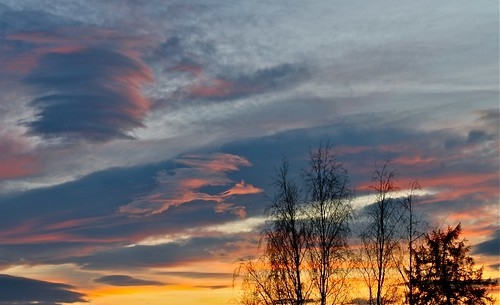 autumn sunset sky favorite sun sol nature beautiful norway clouds canon dark eos norge natur himmel trondheim skyer solnedgang 500d explored twtme best4gpin bestphoto4gpinoct2011 kjetil