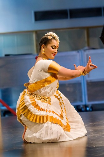 Mohiniyattam | by Dance Photographer - Brendan Lally