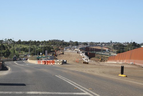Work on Geelong Ring Road Stage 4A crossing the Waurn Ponds Creek valley