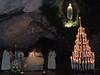 Lourdes – jeskyně zjevení v noci, foto: Irka Chlopczykova