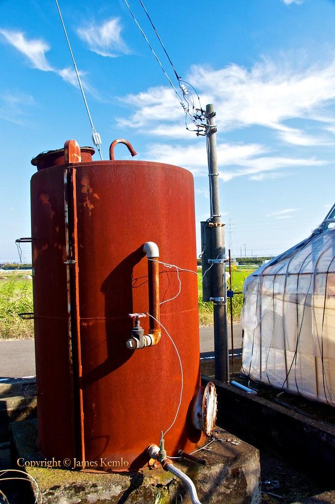 rusty water tank | James Kemlo (Junpei Hayakawa) | Flickr