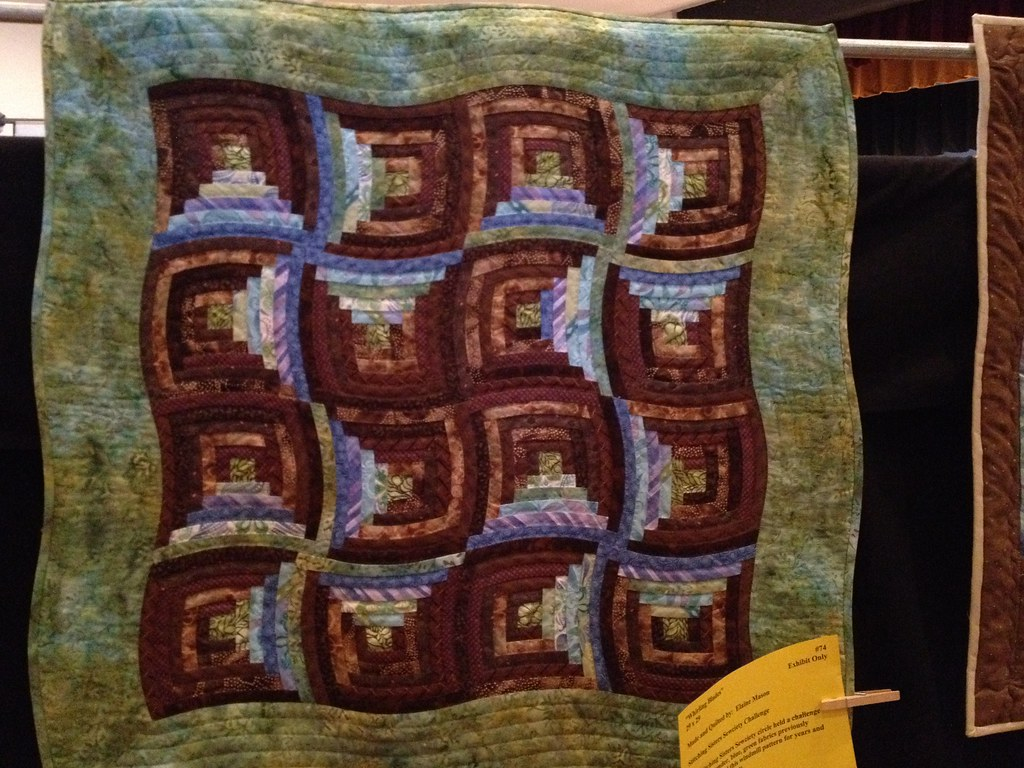 Curved log cabin quilt | Seen at the River City Quilters' Gu… | Flickr