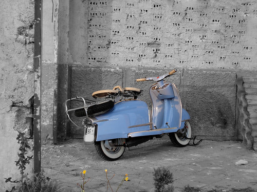 retro vespa | by https://www.facebook.com/fotopotok