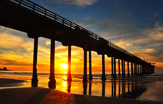 Sunset At Scripps Pier | by Bill Gracey 23 Million Views
