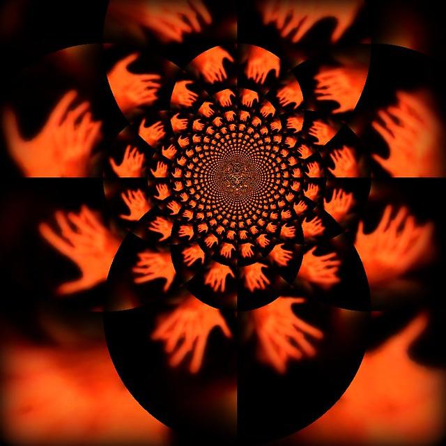 <> Mandelbrot Fractal Meets Escher Tesselation <>