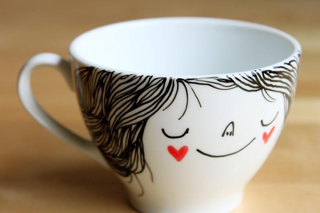 Illustrated tea/coffee cup