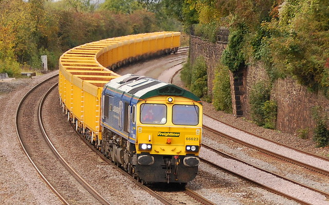 66623 BA DFHG FD @ BARROW UPON SOAR with the 6M23 10.30 DONCASTER - MOUNTSORREL  weds 07th oct 2009