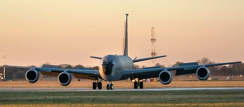 airbase aircraft mildenhall military rafmildenhall suffolk usairforce usaf usafe unitedstatesairforce tamronsp150600mmf563divcusd boeing kc135 stratotanker 351stars 351ars 351stairrefuellingsquadron 100thaw 100thairrefuellingwing 100arw sunset