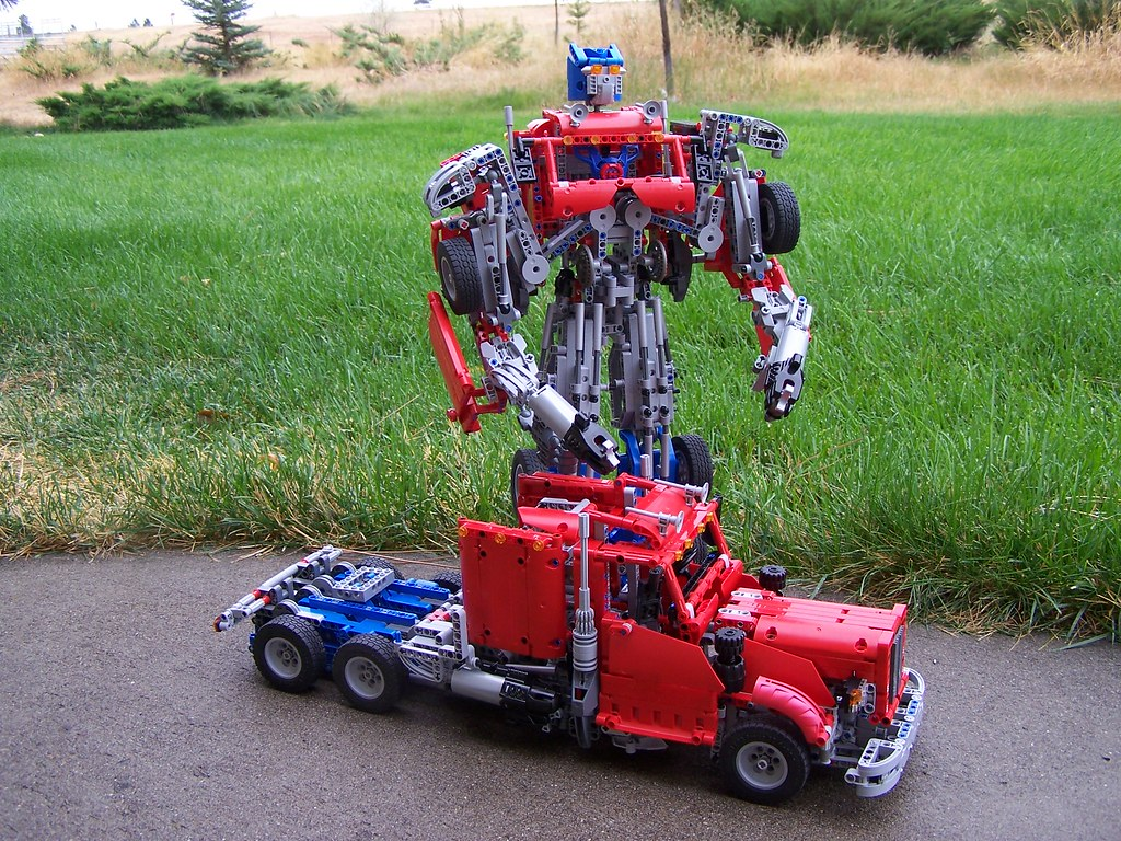 Lego Technic Optimus Prime Transformers | These red/grey/blu